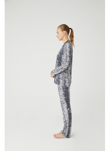 Mod Collection Kadın Boydan Patlı Pijama Takımı Lacivert